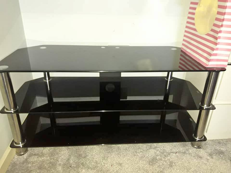 glass gloss TV unit