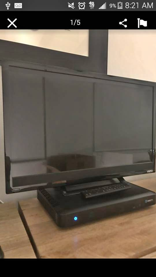 brand new Vizio tv w remote