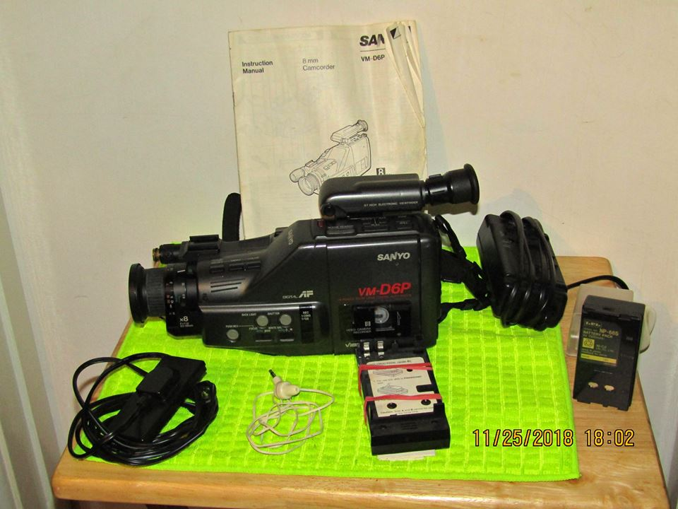SANYO CAMCORDER with EXTRAS..( ONO )