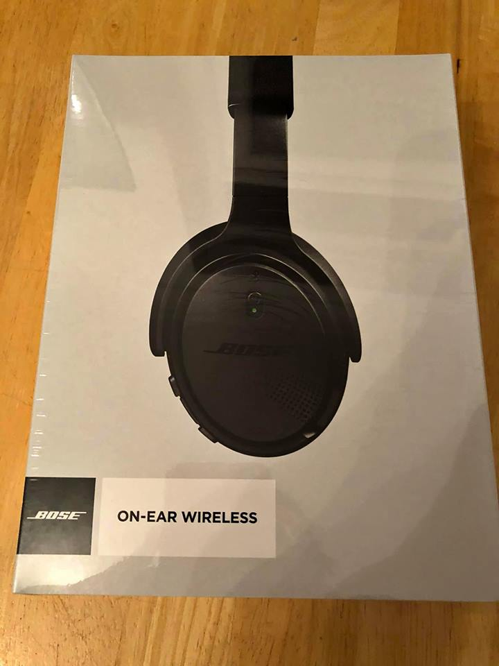 Bose on-Ear Wireless Headphone-Triple black brand
