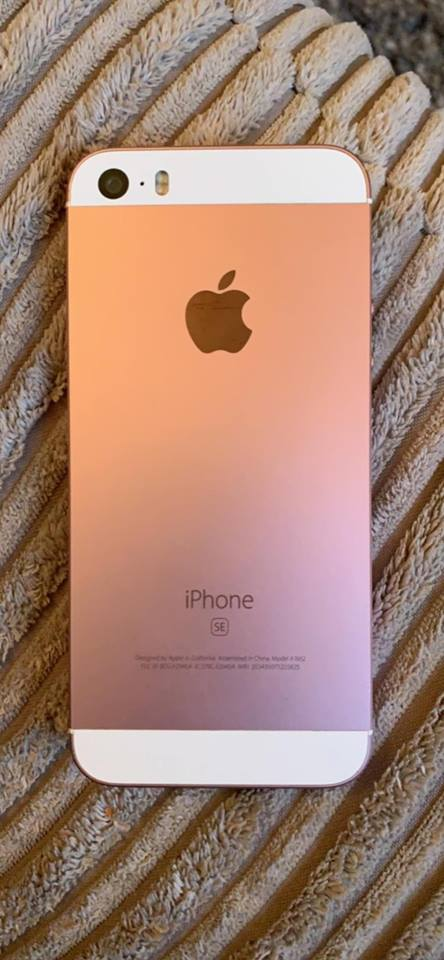 Boxed Rose gold Iphone SE 16g bought from Apple so